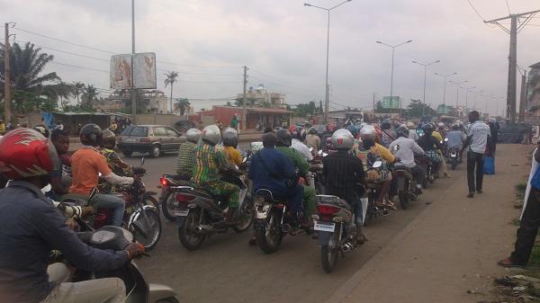 population vivant la crise d'essence