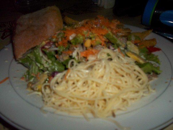Nourritures béninoises, plats de salade