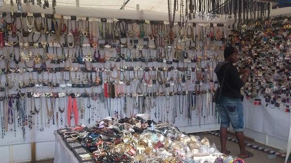 collier foire de l'indépendance du Bénin