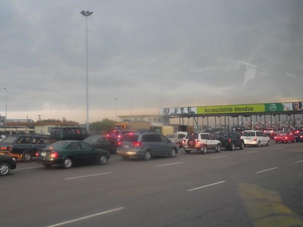 gaz d'échapement pont Peage de Cotonou