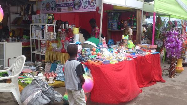 stand de vente de la foire de l'indépendance du Bénin