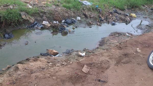 les eaux et création de la pollution de cotonou