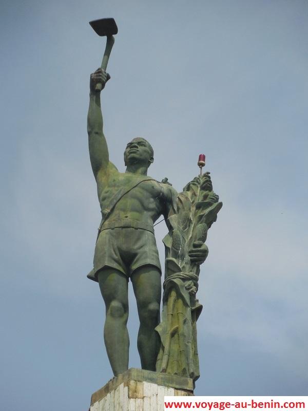 Statue de L'étoile rouge de Cotonou
