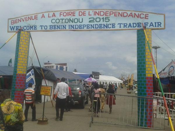 entrée de la foire de l'indépendance