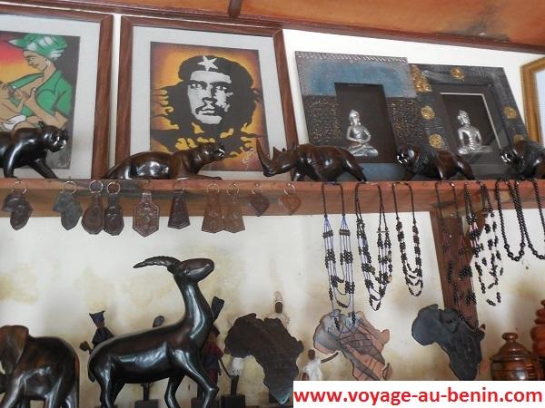 Visiter à Cotonou les portraits au Centre artisanale de Cotonou